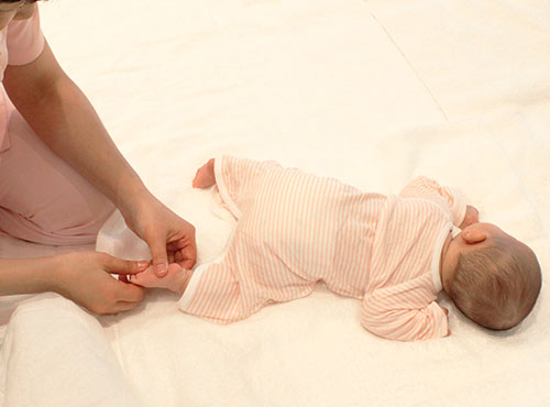 うつ伏せ 練習 赤ちゃん